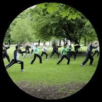 Занятия Тайцзи-цюань в парке в Киеве